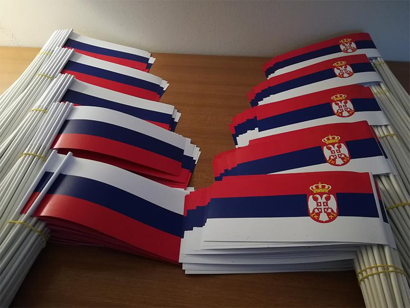 Zastavice za mahanje, dostupne u neograničenim količinama